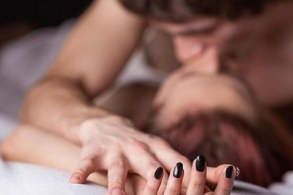 care a avut o erecție în timpul masajului)